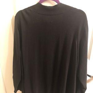 Buttonless sweater. Black.